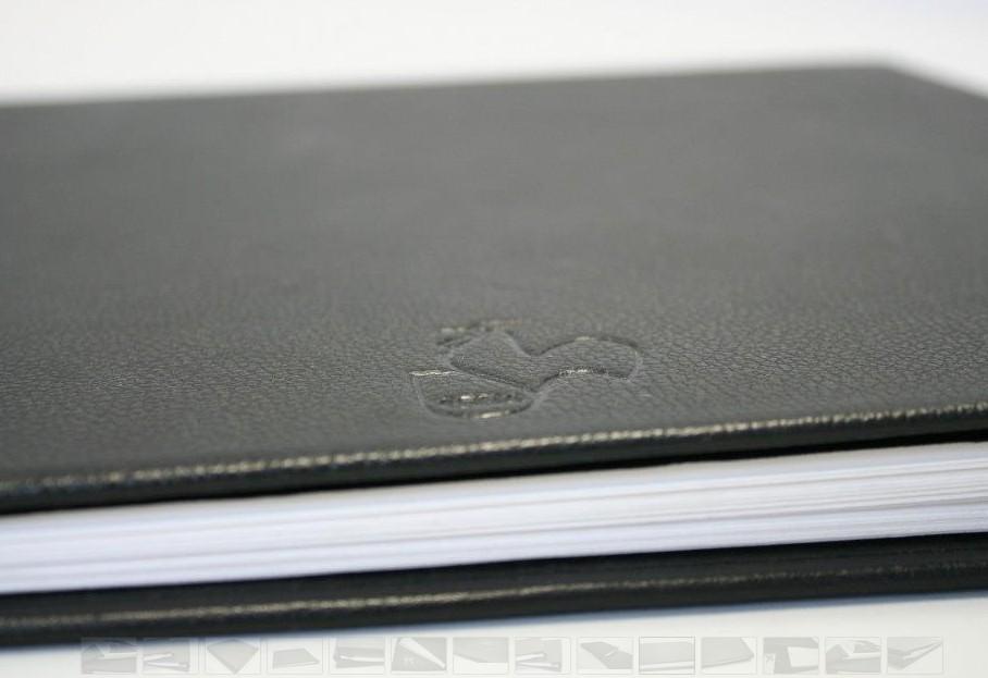 Afbeelding van Hahnemuehle Album Zwart Leder 30x30cm art.nr. 68050