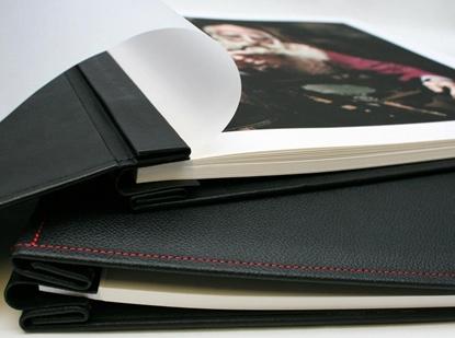 Afbeelding van Hahnemuehle Album Soft Cushion Zwart met rood stikwerk Leder A3 Landscape art.nr. 88827