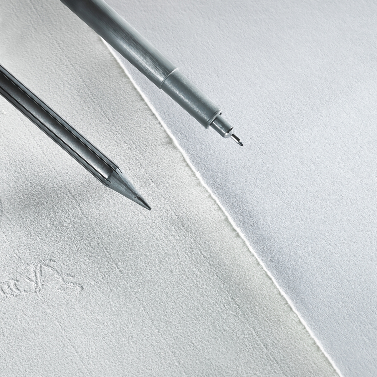 Hahnemuehle Signing Pen Duo close up